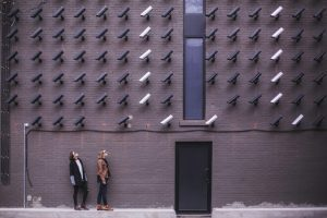 איך בוחרים מצלמות אבטחה לבית?